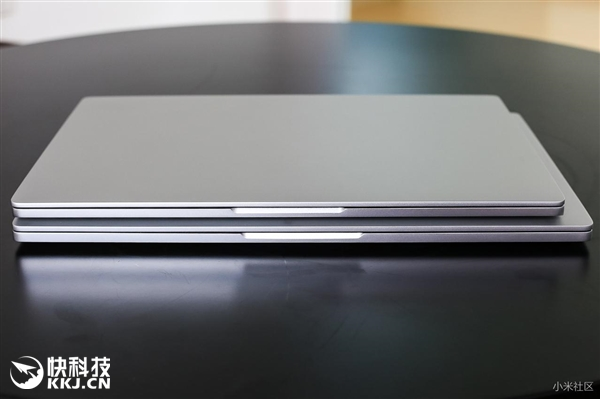 Фотографії Mi Notebook Air 12.5 и 13.3 дюймів